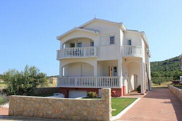 Obiekt Pašman (Pašman) - Zakwaterowanie 8215 - Apartamenty blisko morza z piaszczystą plażą.