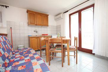 Studio flat AS-8218-a - Apartments Tkon (Pašman) - 8218
