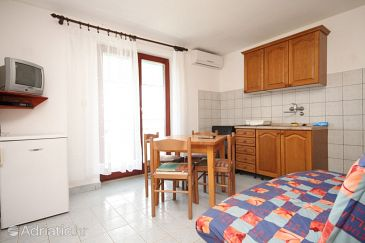 Studio flat AS-8218-b - Apartments Tkon (Pašman) - 8218