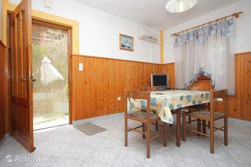 Kali, Dining room u smještaju tipa apartment, dostupna klima, dopusteni kucni ljubimci i WIFI.