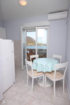 Apartment A-8235-a - Apartments Kali (Ugljan) - 8235