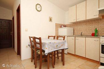 Apartment A-8256-b - Apartments Kukljica (Ugljan) - 8256