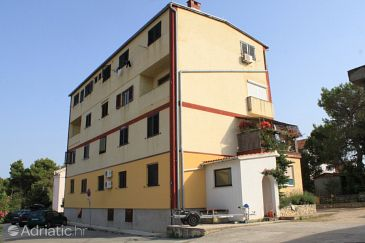 Property Ugljan (Ugljan) - Accommodation 8263 - Apartments near sea with sandy beach.