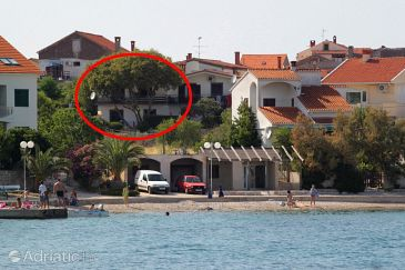 Preko, Ugljan, Property 8268 - Apartments blizu mora with pebble beach.