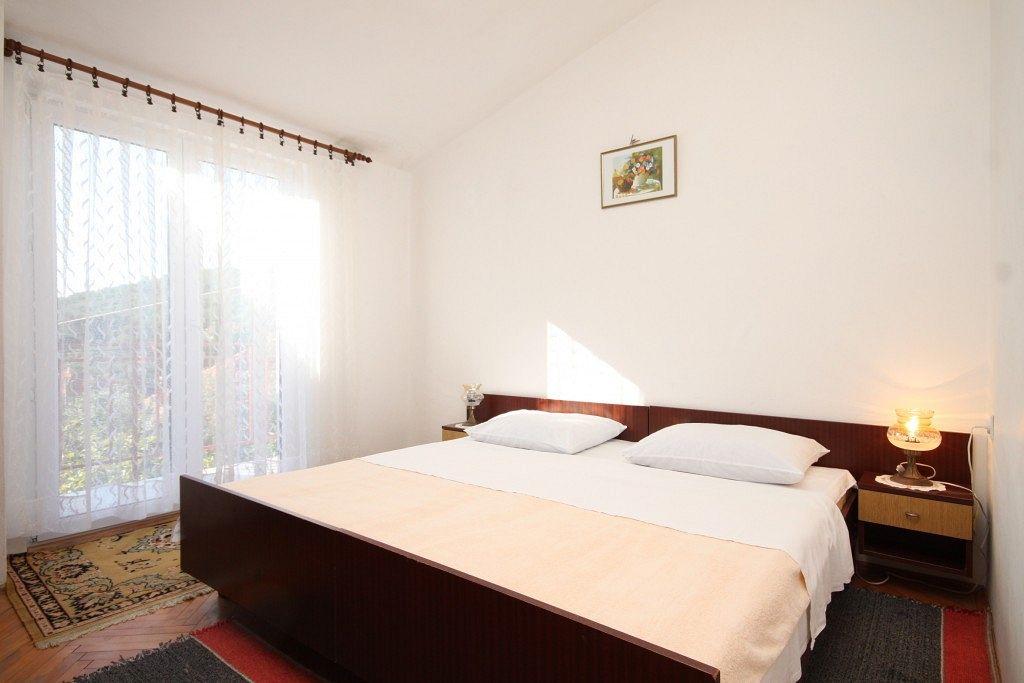 Apartmány s parkoviskom v meste Ždrelac - 8299