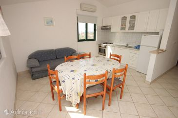 Apartment A-8311-a - Apartments Mrljane (Pašman) - 8311