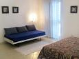 Bedroom 2 - House K-8332 - Vacation Rentals Igrane (Makarska) - 8332