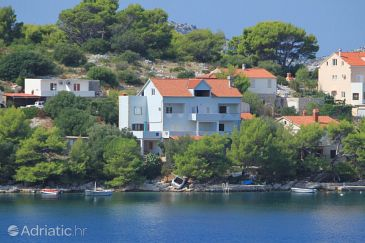 Property Skrivena Luka (Lastovo) - Accommodation 8359 - Apartments near sea.