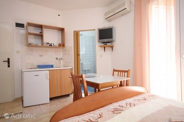 Studio flat AS-8377-a - Apartments and Rooms Tkon (Pašman) - 8377