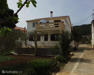 Property Preko (Ugljan) - Accommodation 838 - Apartments near sea with sandy beach.