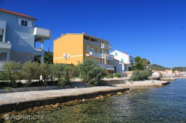 Property Preko (Ugljan) - Accommodation 8384 - Apartments near sea.