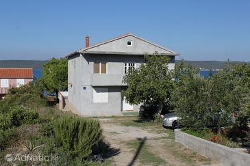 Property Neviđane (Pašman) - Accommodation 8394 - Apartments near sea.