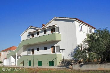 Property Kukljica (Ugljan) - Accommodation 8398 - Apartments with pebble beach.