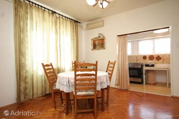 Apartment A-8416-a - Apartments Ugljan (Ugljan) - 8416