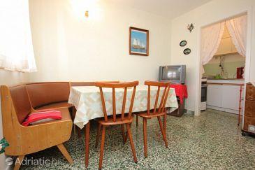 Apartment A-8439-a - Apartments and Rooms Mavarštica (Čiovo) - 8439