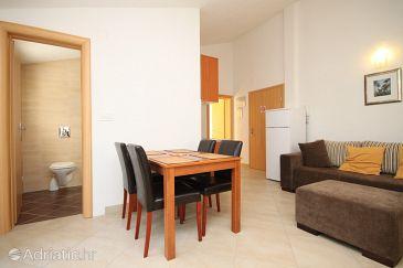 Apartment A-8626-e - Apartments Okrug Gornji (Čiovo) - 8626
