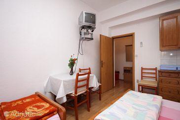 Studio flat AS-8627-d - Apartments Kaštel Kambelovac (Kaštela) - 8627
