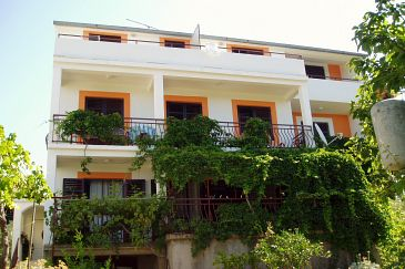 Property Biograd na Moru (Biograd) - Accommodation 863 - Apartments near sea with pebble beach.