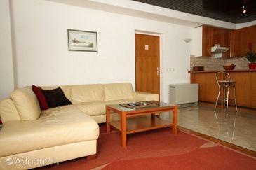 Apartment A-8639-a - Apartments and Rooms Podstrana (Split) - 8639
