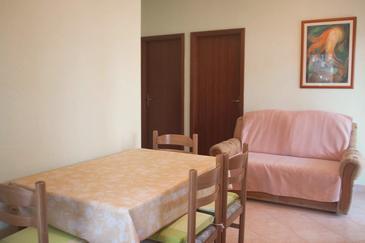 Apartment A-8656-a - Apartments Seget Donji (Trogir) - 8656