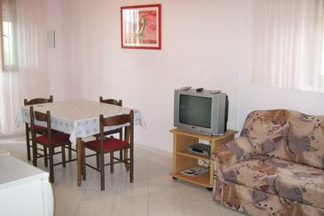 Apartment A-8656-d - Apartments Seget Donji (Trogir) - 8656