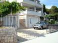 Parking lot Poljica (Trogir) - Accommodation 8661 - Vacation Rentals near sea.