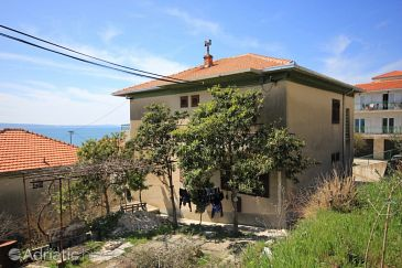 Property Suhi Potok (Omiš) - Accommodation 8676 - Apartments near sea with pebble beach.