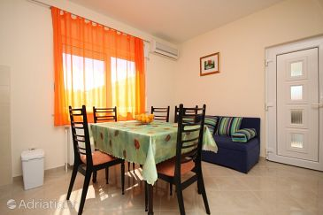 Apartment A-8683-b - Apartments Trogir (Trogir) - 8683
