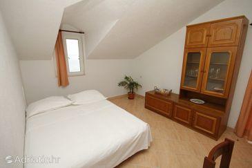 Apartment A-8703-a - Apartments Uvala Tvrdni Dolac (Hvar) - 8703
