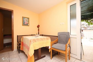 Apartment A-8721-b - Apartments Jelsa (Hvar) - 8721