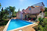 Дом для отдыха с бассейном Basina (Hvar) - 8731