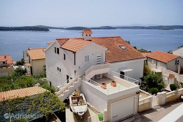 Property Hvar (Hvar) - Accommodation 8771 - Apartments near sea with pebble beach.