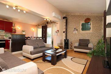 Apartment A-8777-a - Apartments Jelsa (Hvar) - 8777