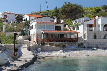 Property Uvala Zaraće (Dubovica) (Hvar) - Accommodation 8778 - Apartments near sea with pebble beach.