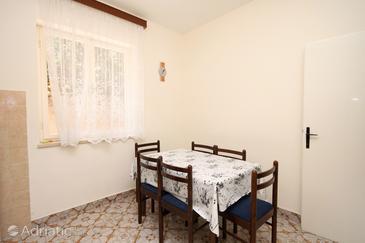 Apartment A-8798-a - Apartments and Rooms Jelsa (Hvar) - 8798