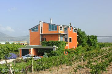 Property Opuzen (Ušće Neretve) - Accommodation 8818 - Vacation Rentals with sandy beach.