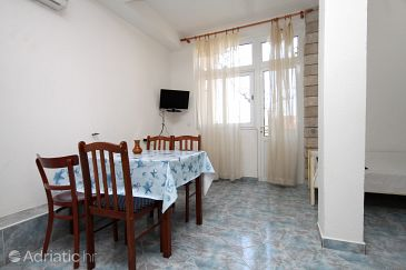 Apartment A-9128-f - Apartments and Rooms Makarska (Makarska) - 9128