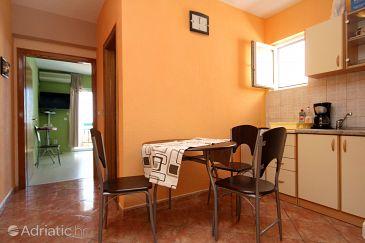 Apartment A-9129-a - Apartments Makarska (Makarska) - 9129