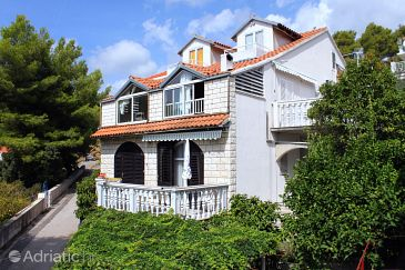 Property Brna (Korčula) - Accommodation 9149 - Apartments near sea.