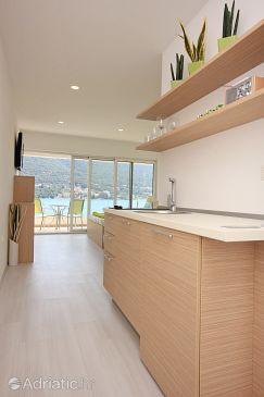 Grebaštica, Kitchen u smještaju tipa studio-apartment, dostupna klima i WIFI.