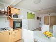 Rastići, Dining room u smještaju tipa studio-apartment, dostupna klima i WIFI.