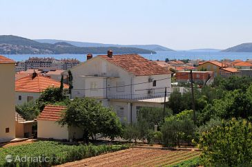Property Trogir (Trogir) - Accommodation 9209 - Apartments with pebble beach.