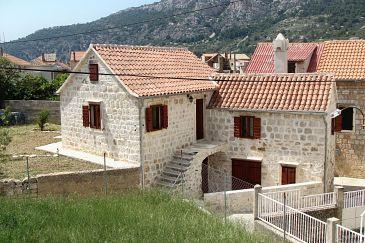 Komiža, Vis, Property 9247 - Apartments with pebble beach.