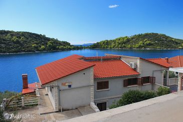 Property Karbuni (Korčula) - Accommodation 9308 - Apartments near sea.