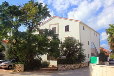 Property Novalja (Pag) - Accommodation 9327 - Apartments with pebble beach.