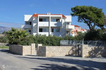 Property Novalja (Pag) - Accommodation 9361 - Apartments with pebble beach.