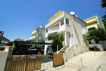 Promajna, Makarska, Property 9404 - Apartments with pebble beach.
