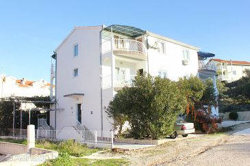 Okrug Gornji, Čiovo, Property 9441 - Apartments with pebble beach.