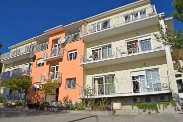 Property Duće (Omiš) - Accommodation 946 - Apartments near sea with sandy beach.