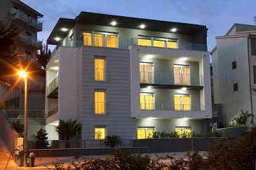 Property Podstrana (Split) - Accommodation 9464 - Apartments and Rooms with pebble beach.